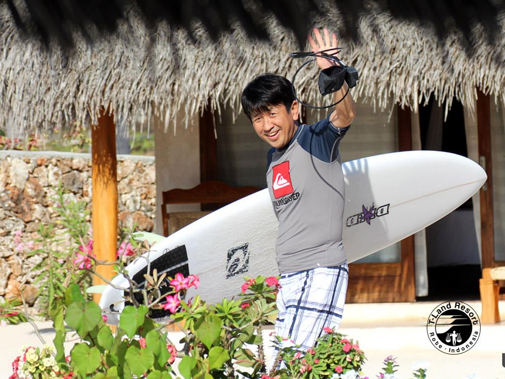 30-japanese-surf-trip-indonesia